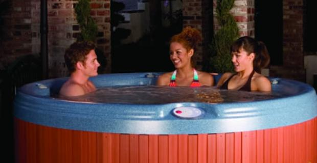Denali-hot-tub