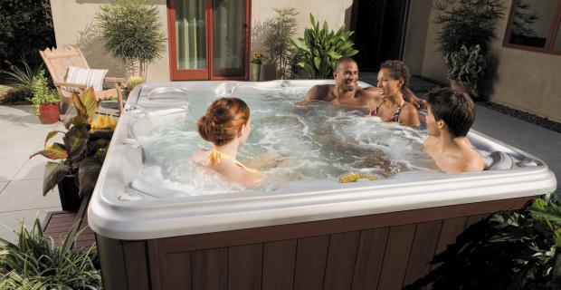 peyton-hot-tub